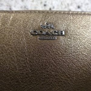 Coach Bags - COACH Mickie Accordian Zip Wallet in Grain Leather
